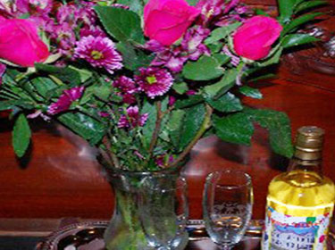 Flowers, glasses and juice
